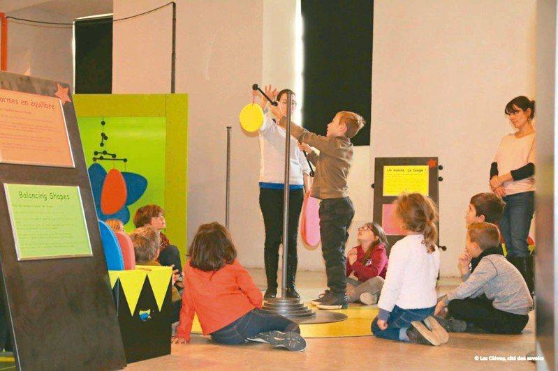 超過四十年兒童教育經驗的龐畢度中心,首次把風靡法國的兒童工作坊「哇!馬戲團」引進台灣。 圖╱聯合數位文創提供