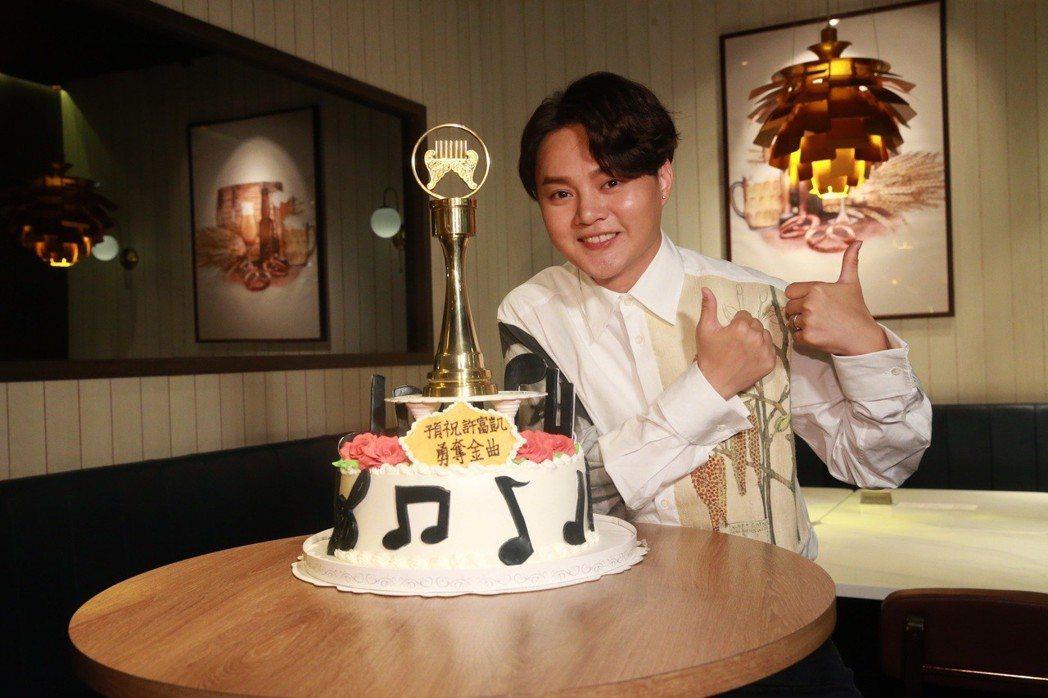 歌手許富凱6度入圍金曲獎最佳台語男歌手獎。記者黃義書/攝影