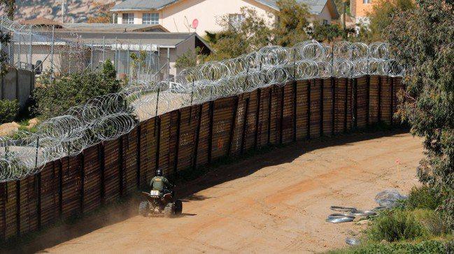 墨西哥與美國7日達成協議,得以避免輸美產品遭美國加徵關稅,但美國政府仍手握繼續向...