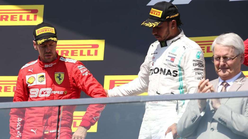 這次在頒獎台上沒有一位車手是開心的。 摘自F1