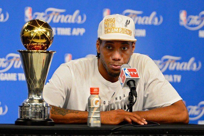 雷納德在2013-14球季曾獲頒總冠軍賽MVP,如果暴龍能在今年封王,這個獎座應...