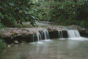 找個時間親近水岸,尋回與水的親密關係。 (攝影/KRIS KANG)