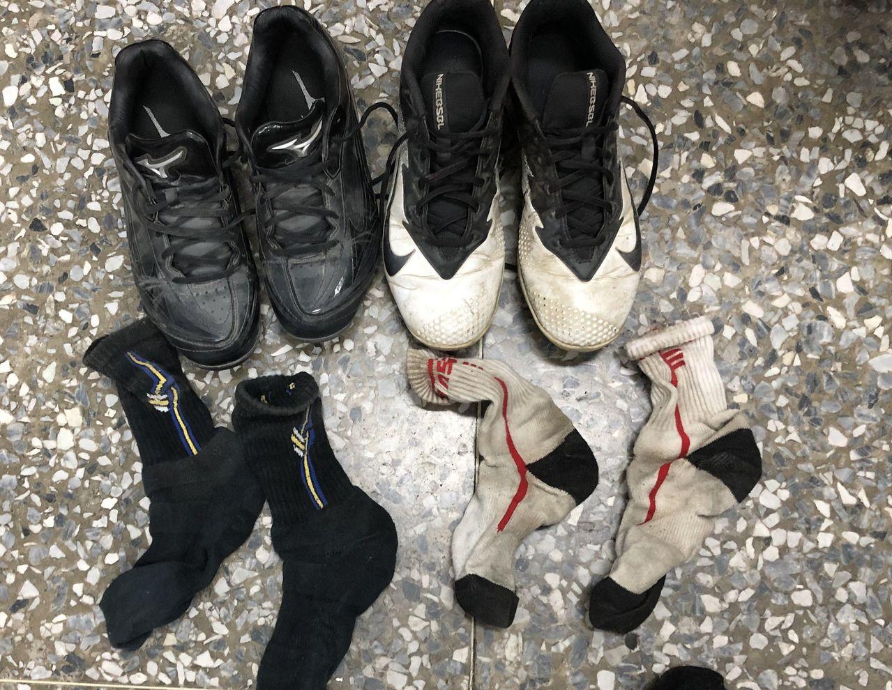 用過的鞋、襪都有人偷,讓失主氣結。記者林保光/翻攝