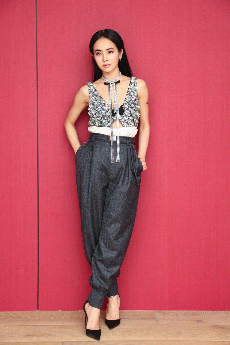 蔡依林以MIU MIU早秋系列的褲裝造型出席HITO流行音樂獎頒獎典禮。圖/MI...