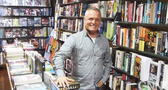 麥當諾(Les Mcdonald)在1982年創辦LGBT書店「The Book...