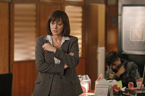 「逆轉劫局」即將在本週五(6/14)於台灣震撼上映。本片請來西班牙奧斯卡「哥雅獎」雙影后艾瑪蘇雷茲(Emma Suarez)與娜塔莉波莎(Nathalie Poza),分飾「高智商人質」與「最狠毒搶...