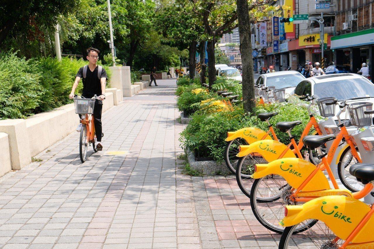新北市YouBike啟用5年以來,全市建置達550站、總計約1萬6000輛車,新...