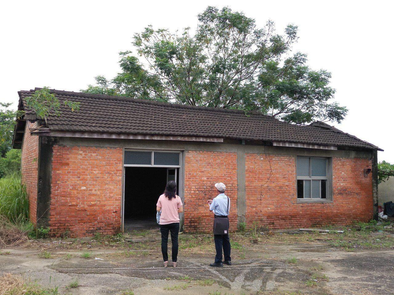 文資法修法後,民間與公家提出的50年以上建築文資審議案爆量,文資委員必須一一現場...