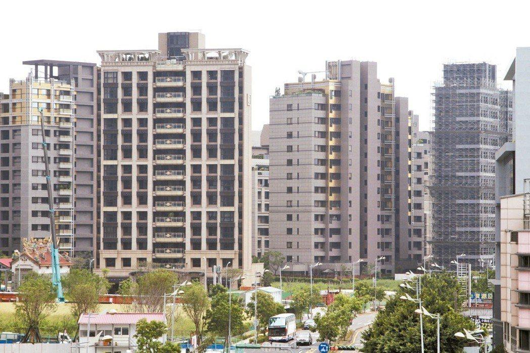 台灣金聯看房市,預期未來兩年整體房價會是「不漲不跌」、一塊鐵板。 圖/聯合報系資...