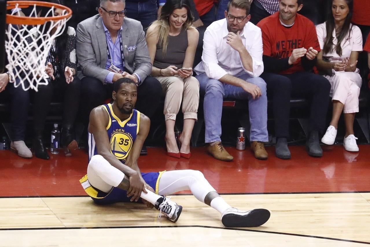 不少人都在探討是什麼原因迫使杜蘭特帶著尚未恢復的右腳傷勢上陣?轉任分析師的退役球...