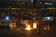 不斷更新/示威者且戰且退 金鐘道開始清場