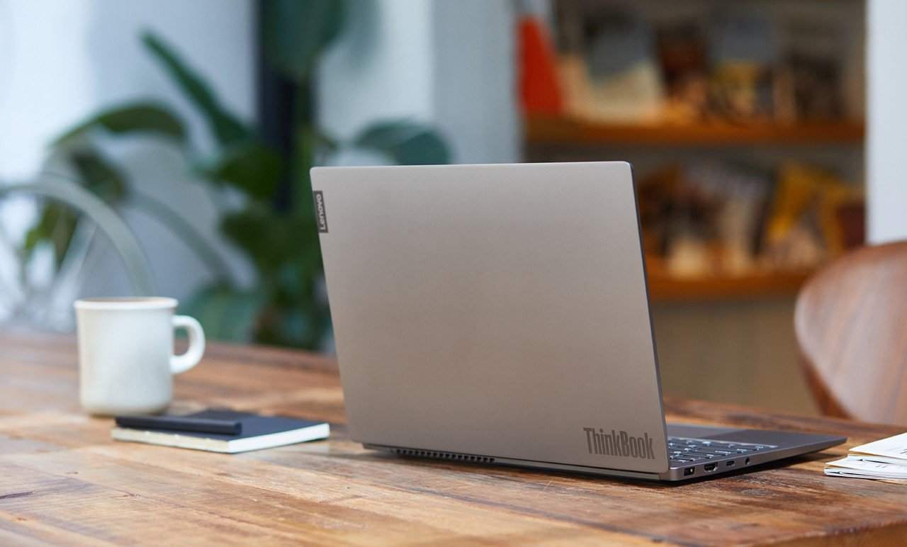 Lenovo ThinkBook 13s的美無法忽視,不管在哪兒都是焦點。 Le...