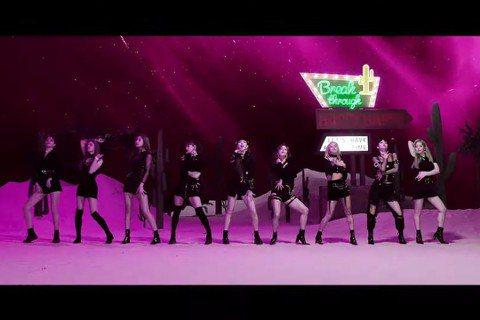 韓國女團「TWICE」11日發布了〈Happy Happy〉與〈Breakthrough〉兩支日文新歌 MV,兩首歌的MV上線短短不到一天,在Youtube上的觀看人數都以破兩百萬,真的不愧是當今最...