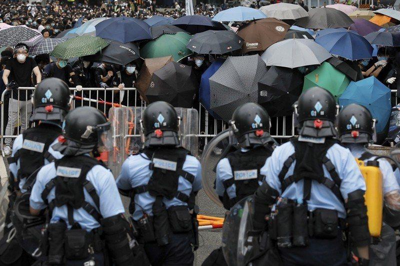 攝於6月12日,香港反中大遊行。 圖/美聯社
