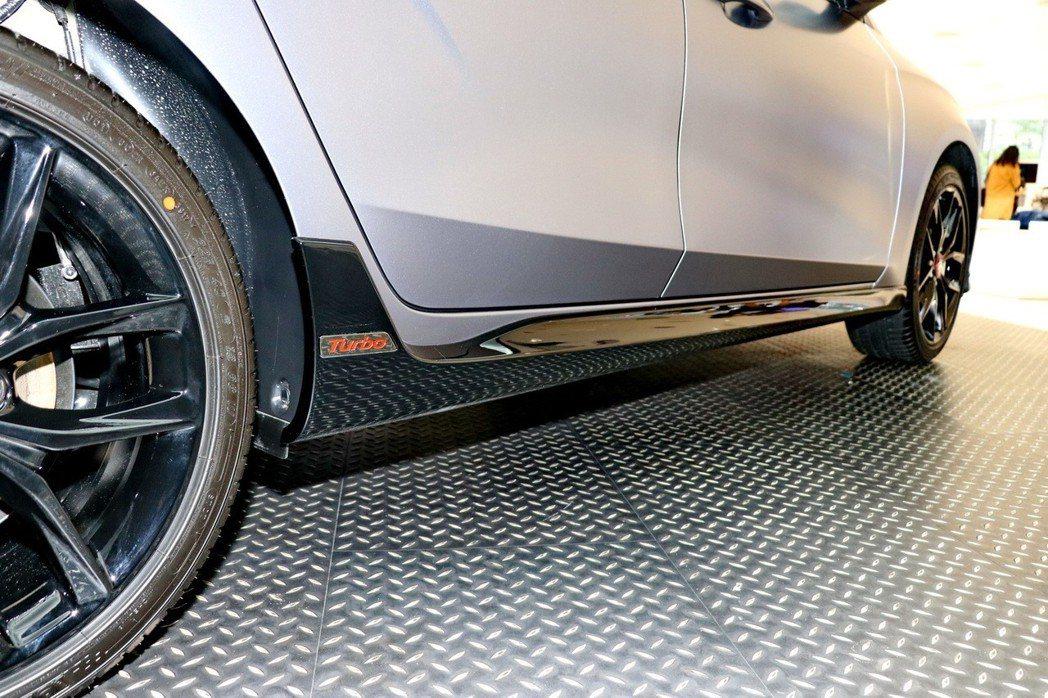 「風暴銀限量款」特仕車,採用了風暴銀Mono-tone車色。 記者陳威任/攝影