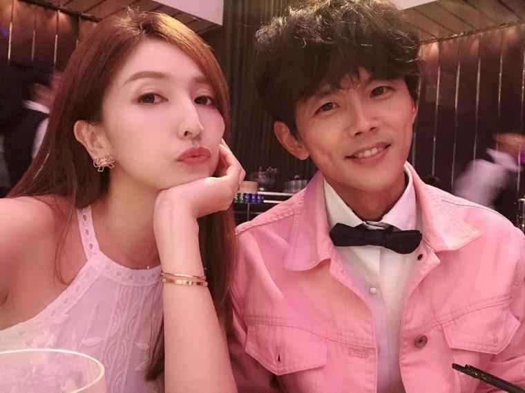 阿翔與老婆Grace合照。圖片來源:Grace臉書