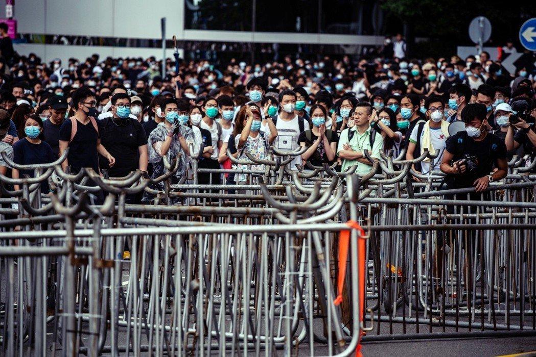 看似是要打擊犯罪、引渡罪犯的條例修訂,為什麼點燃香港人的怒火? 圖/法新社