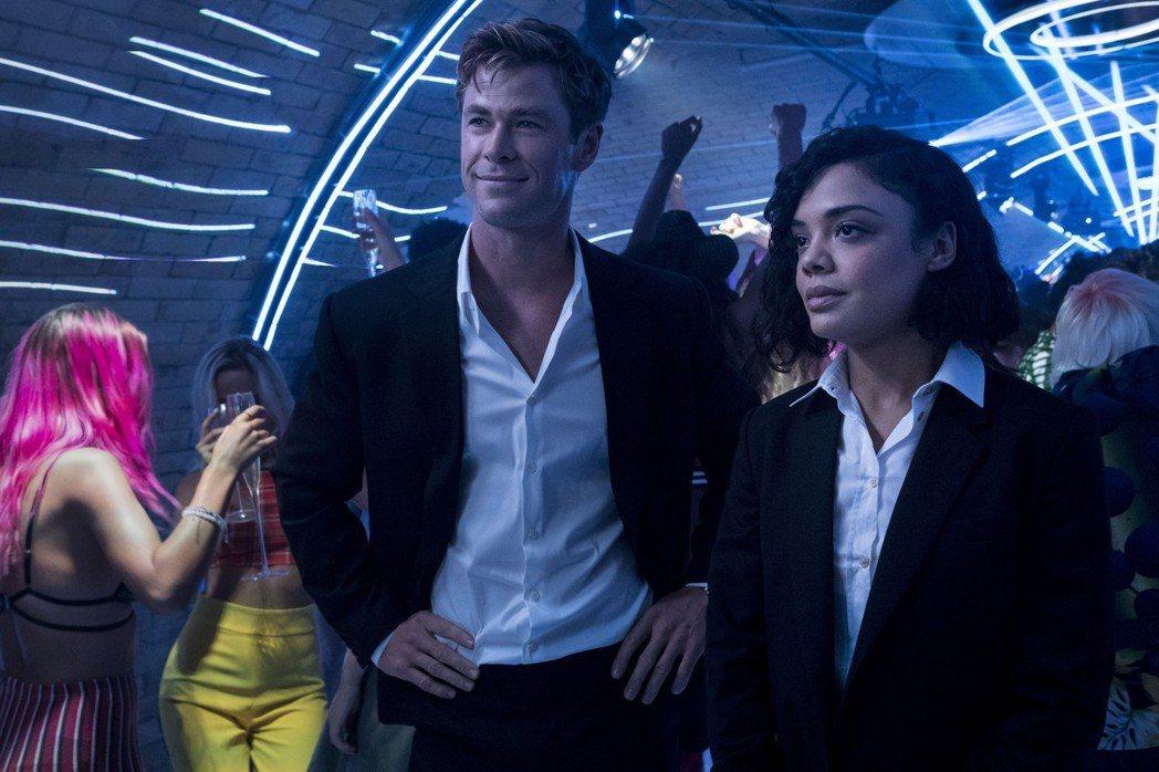 克里斯漢斯沃與泰莎湯普森主演的「MIB星際戰警:跨國行動」是年度大片。圖/索尼提