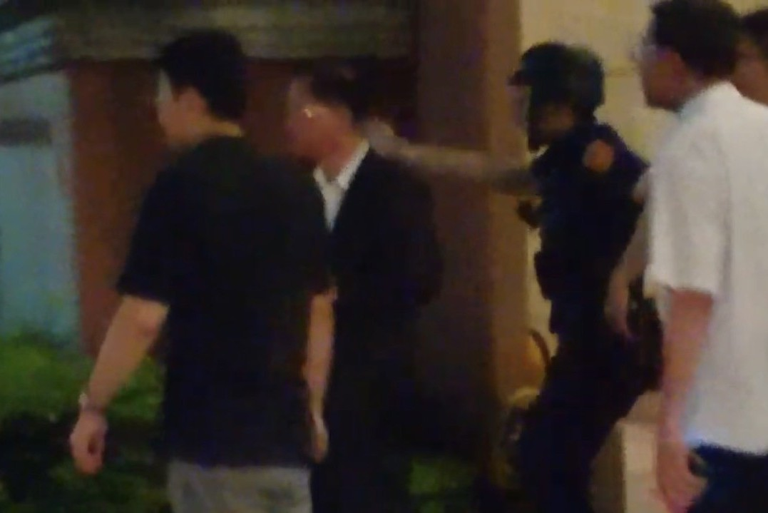 桃園槍擊案2嫌駁火一度挾持9人質 警剛帶出2女及1槍枝