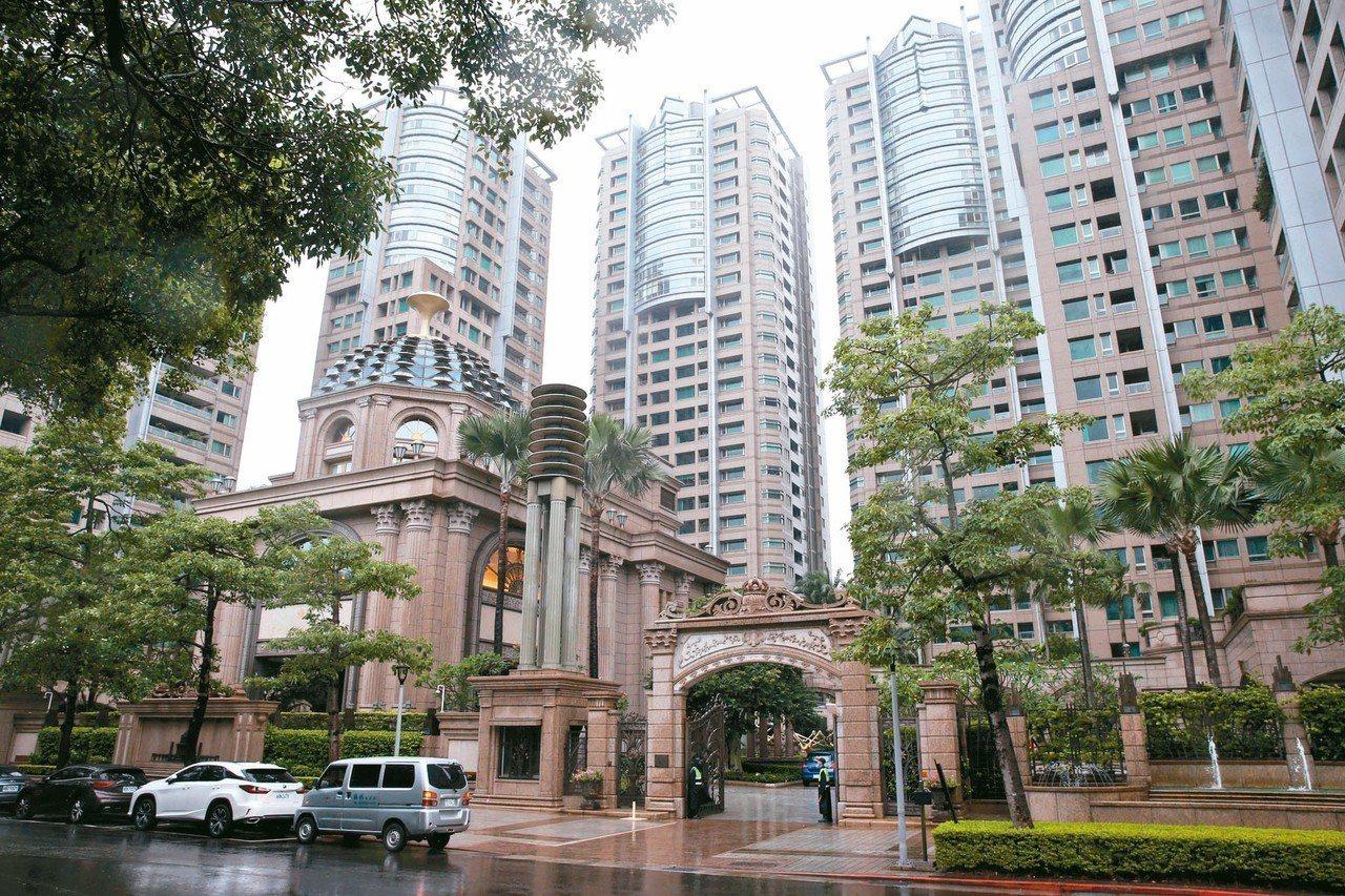 黨產會調查,中廣公司名下、戰後接收自台灣放送協會房舍土地,最大一筆已被出售改建成...
