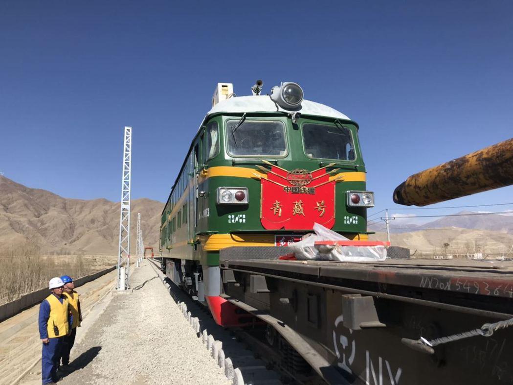 中共昌都市委書記阿布介紹,川藏鐵路昌都境內的控制性工程將於今年開工。圖為山南拉林...