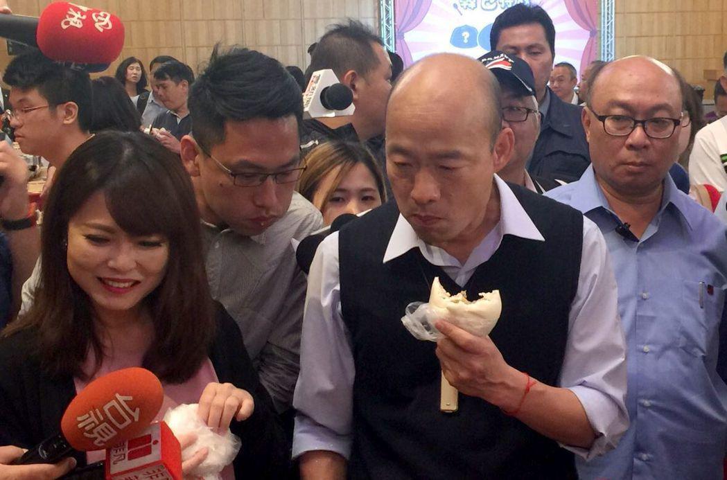 高雄市長韓國瑜被總統府發言人黃重諺譏是「土包子」,他和團隊反轉這個負面酸詞為正面...