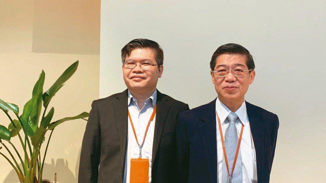 智邦今天舉行股東會,由董事長郭飛龍(右)主持,左為總經理李志強。 記者馬瑞璿/攝...