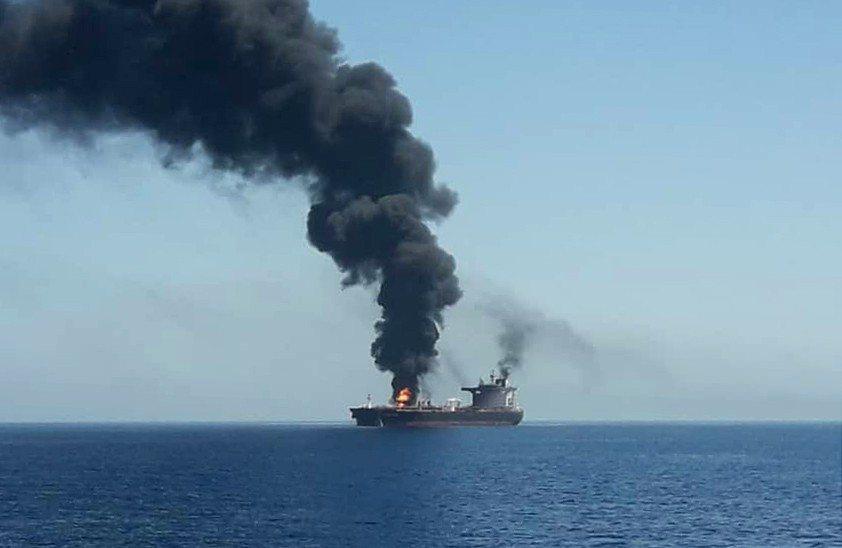 中東阿曼灣今天2艘油輪疑似遭攻擊,其中一艘證實是台灣中油油輪。 歐新社