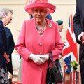 裡面到底都裝些什麼?來搜查伊莉莎白女王的隨身手提包