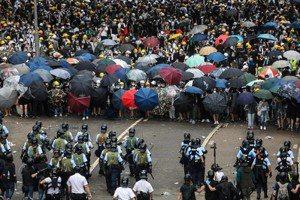 香港「反送中」:警民衝突下,再度覺醒的公民