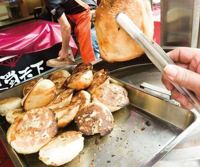 福州市祖胡椒餅香氣襲人,午後點心很飽足。