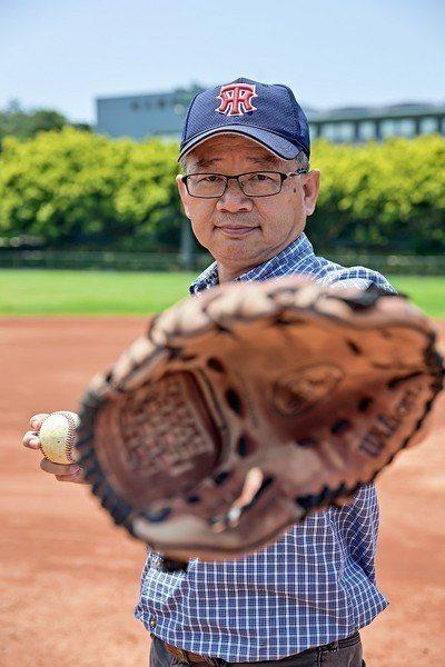 圖一 : 清華大學電機系教授吳誠文是台灣極少數學貫產、學、體的人。