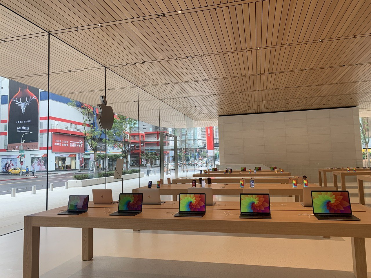 Apple信義A13將於6月15日早上10點正式開幕。記者黃筱晴/攝影