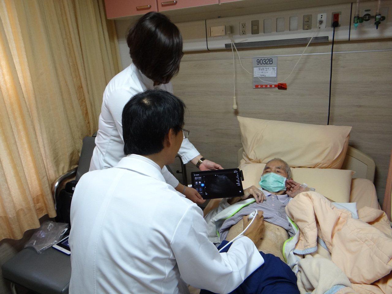 整合醫學病房不同科別醫護合力醫療照護。記者周宗禎/攝影