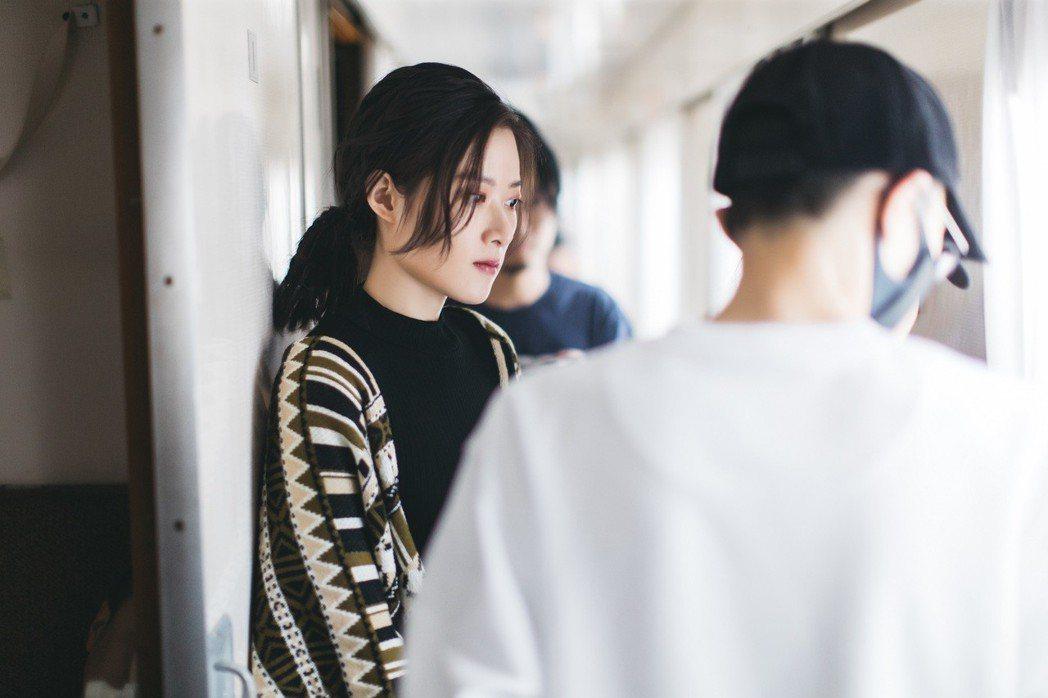 方大同擔任孔藝弦新歌MV導演。圖/賦音樂提供