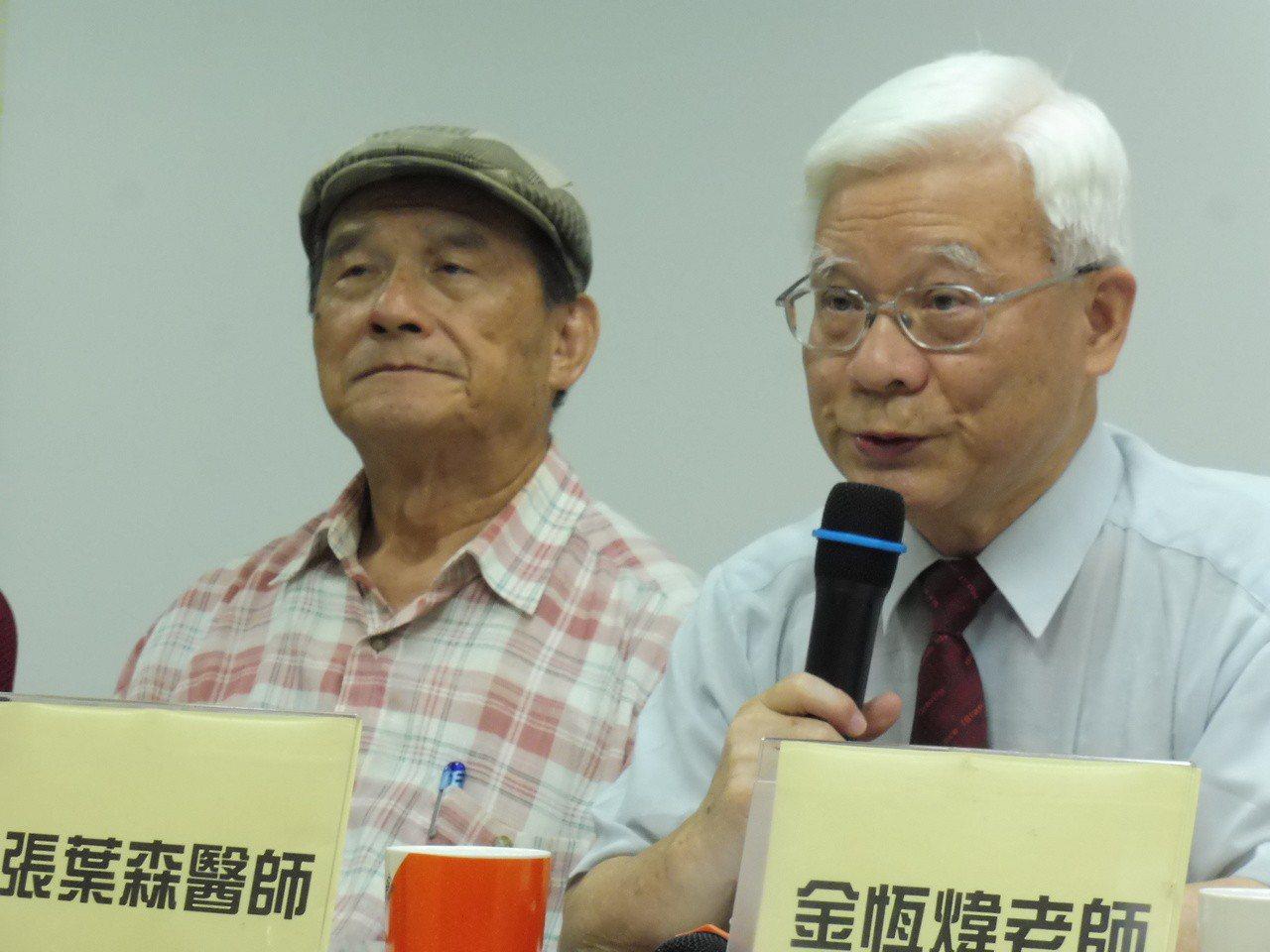 台灣社社長張葉森(右)。本報資料照片