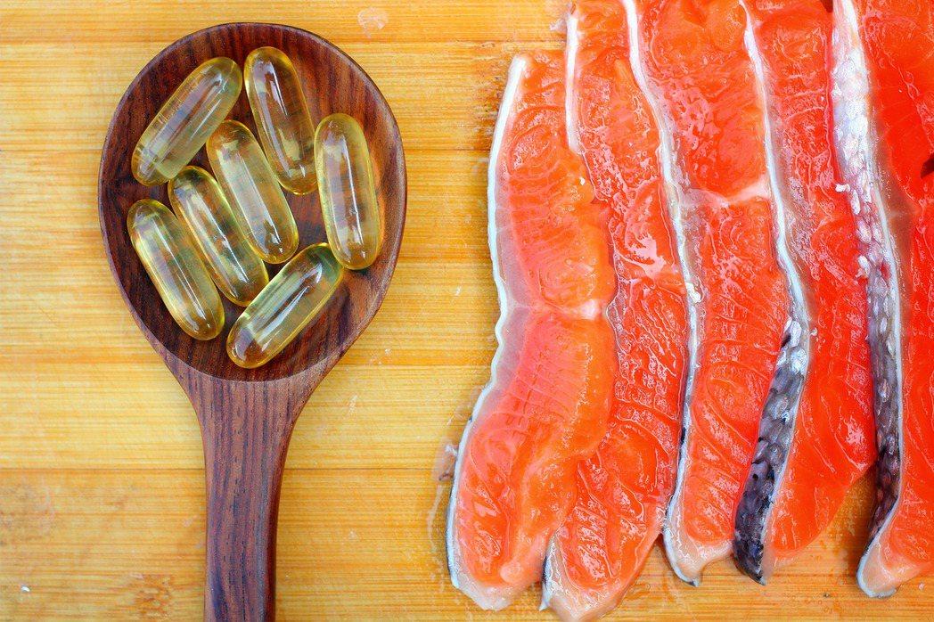化療過程中身體可能會導致發炎反應,透過補充魚油、精胺酸及核苷酸等三種免疫營養素,...