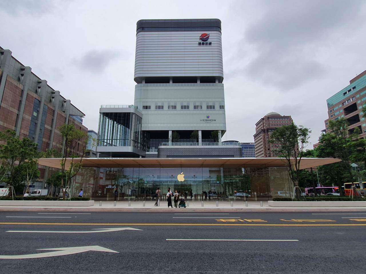 Apple信義A13將於6月15日早上10點於台北市信義區正式開幕。記者黃筱晴/...