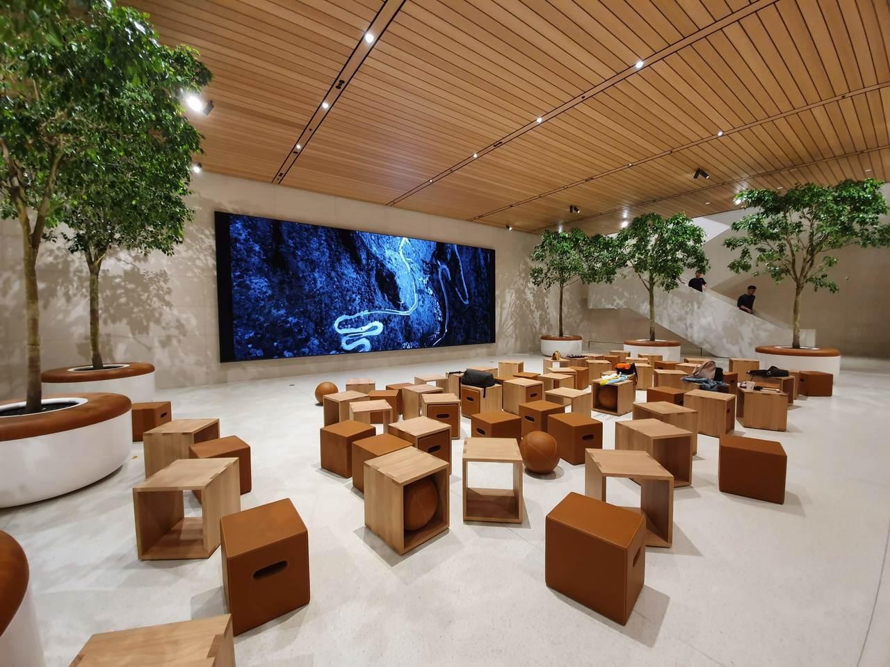 Forum互動坊區域為眾多Today at Apple課程進行的空間。記者黃筱晴...