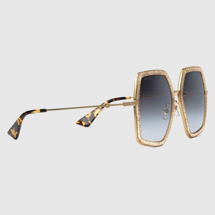 亮金色方形框太陽眼鏡,13,300元。圖/Gucci提供