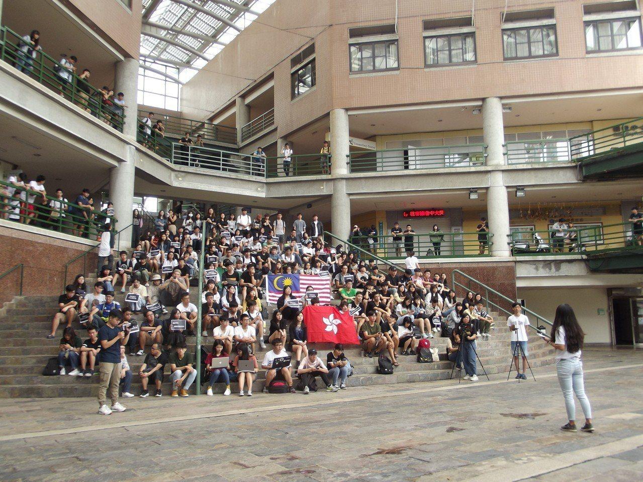 香港學生表達對自由民主的關切。。記者謝恩得/攝影