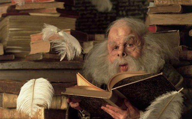 符咒學的弗立維教授也是華威克戴維斯扮演的。圖/摘自entertainment.i...