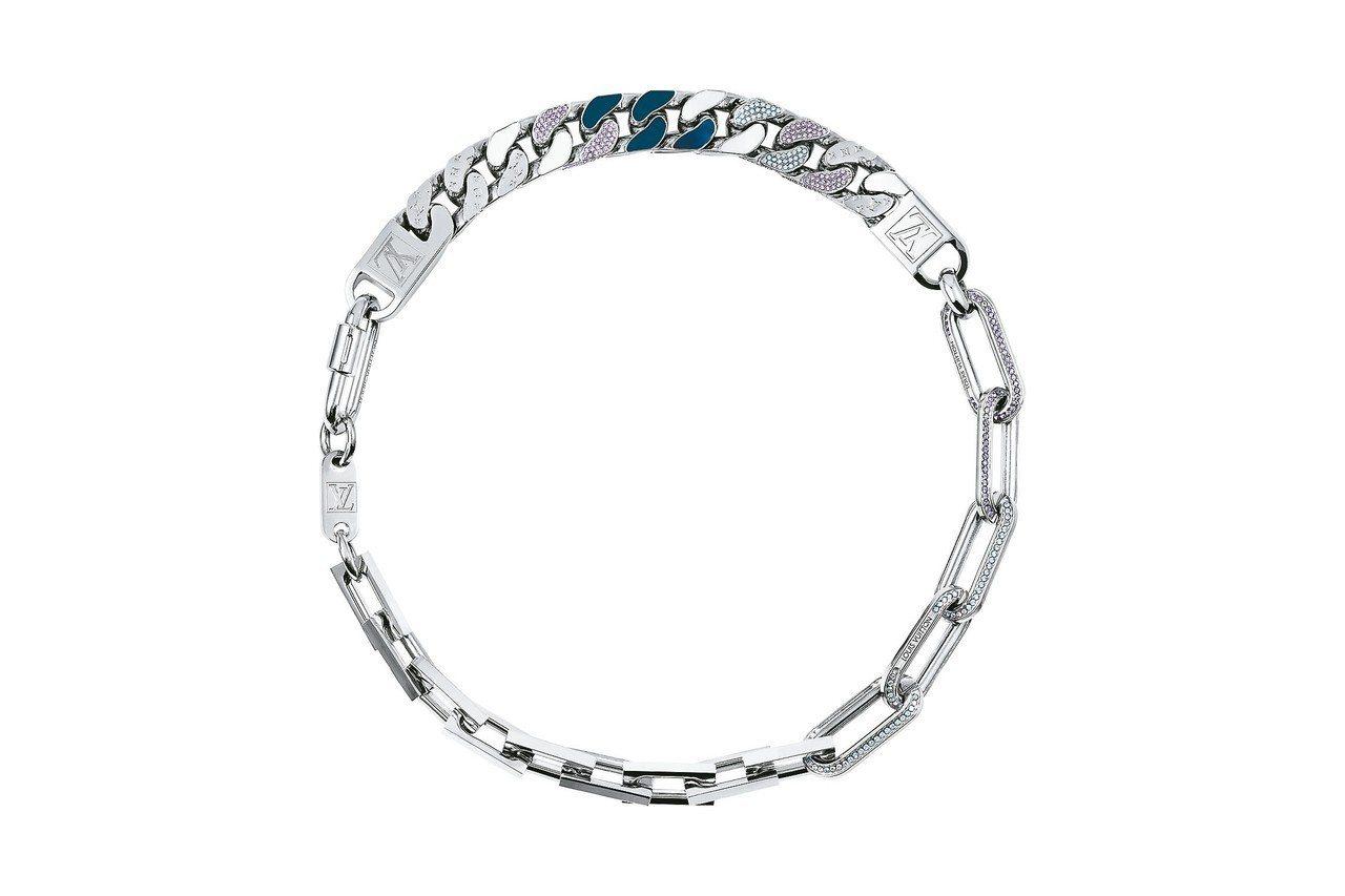 路易威登男裝系列頸鍊,具藍色調的瓷釉、水晶裝飾,約12萬4,000元。 圖/LV...