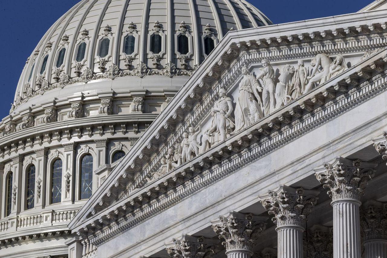 美國參眾兩院軍委會,均通過支持對台軍售的國防授權法案。圖為美國國會大廈。(美聯社...