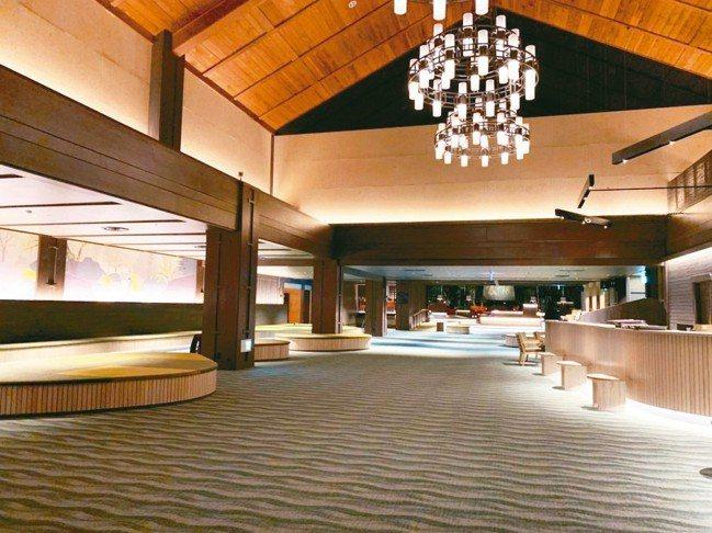 星野集團以苔蘚概念為奧入瀨溪流飯店大廳作了設計翻新。 圖/陳志光、游慧君