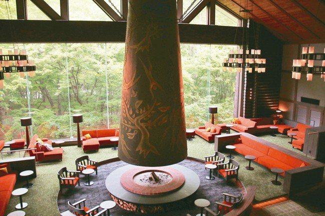 「森之神話」是星野奧入瀨溪流飯店的圖騰,強調貼近自然,與窗外森林相呼應。 圖/陳...