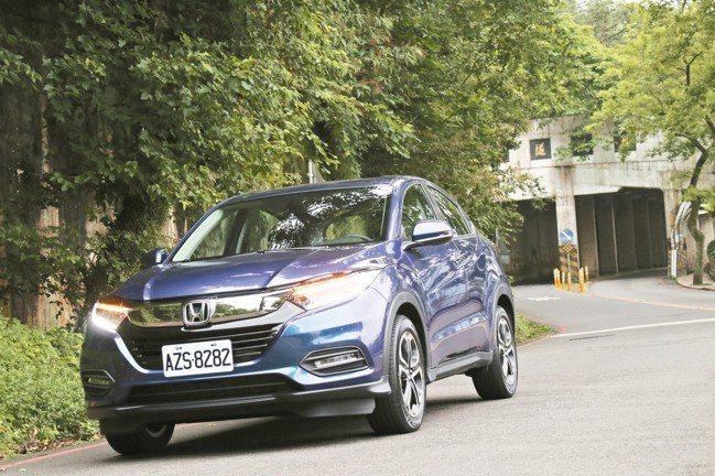 HONDA全新改款HR-V,配備增加、售價反而調降,為車主打造更靜謐安全的旅程。...