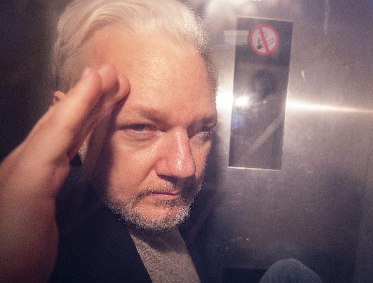 華府以間諜罪要求引渡維基解密創辦人阿桑吉。 歐新社