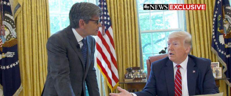 川普稱將會收外國提供政敵黑資料,民主黨領袖稱川普邀請外國干預美國選舉。圖/世界日報提供