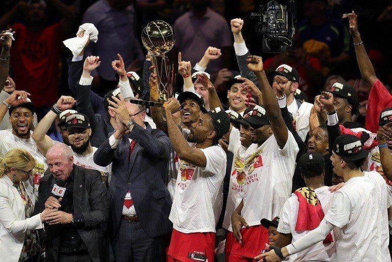 暴龍最終贏得NBA總冠軍。 美聯社